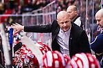 S&ouml;dert&auml;lje 2014-01-06 Ishockey Hockeyallsvenskan S&ouml;dert&auml;lje SK - Malm&ouml; Redhawks :  <br />  S&ouml;dert&auml;ljes tr&auml;nare Andreas Johansson i aktion i b&aring;set under ett power break<br /> (Foto: Kenta J&ouml;nsson) Nyckelord:  tr&auml;nare manager coach