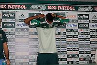 SÃO PAULO, SP, 25.02.2017 - FUTEBOL- PALMEIRAS - Apresentaçao do atacante Colombiano Miguel Borja, na Academia de Futebol na Barra Funda, na manhã deste sábado,25. (Foto: Darcio Nunciatelli/Brazil Photo Press)