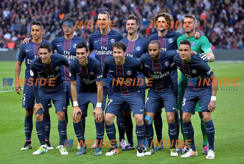 equipe du PSG <br /> Parigi 15-05-2016 <br /> Football Calcio 2015/2016 Ligue 1 Francia <br /> Festeggiamenti Paris Saint Germain Campione di Francia <br /> Foto Panoramic / Insidefoto <br /> ITALY ONLY