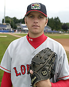 August 8, 2004:  Pitcher Scott Shoemaker of the Lowell Spinners, Single-A NY-Penn League affiliate of the Boston Red Sox, during a game at Dwyer Stadium in Batavia, NY.  Photo by:  Mike Janes/Four Seam Images