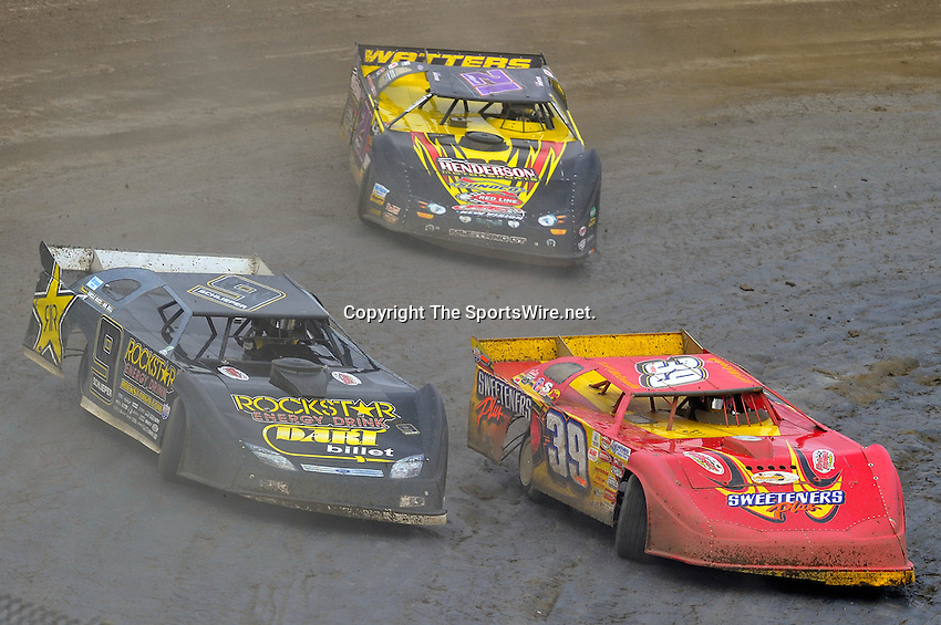 Feb 06, 2010; 3:49:43 PM; Gibsonton, FL., USA; The Lucas Oil Dirt Late Model Racing Series running The 34th Annual Dart WinterNationals at East Bay Raceway Park.  Mandatory Credit: (thesportswire.net)
