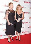 LAS VEGAS, CA - MARCH 30:  Actress/comedian Amy Schumer (L) and actress/producer Goldie Hawn attends the CinemaCon Big Screen Achievement Awards at Omnia Nightclub at Caesars Palace during CinemaCon, the official convention of the National Association of Theatre Owners, on March 30, 2017 in Las Vegas, Nevada.