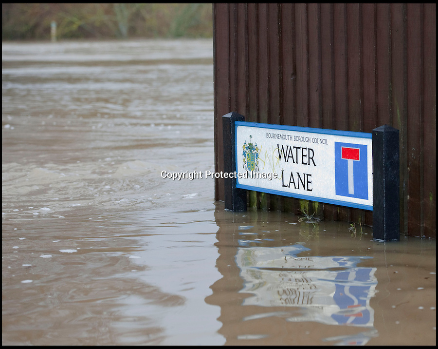 BNPS.co.uk (01202 558833)<br /> Pic: PhilYeomans/BNPS<br /> <br /> Apt....<br /> <br /> The River Stour at Christchurch, Dorset, broke its banks last night causing the Iford Bridge Home Park to be evacuated as 3 feet of flood water swept through.