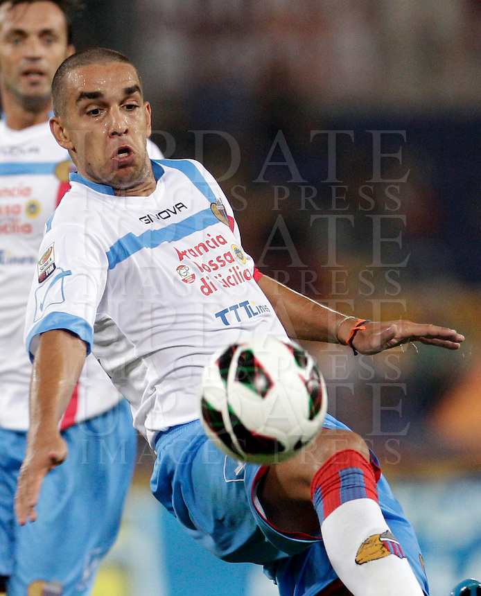 Calcio, Serie A: Roma-Catania. Roma, stadio Olimpico, 26 agosto 2012..Catania defender Giuseppe Bellusci in action during the Italian Serie A football match between AS Roma and Catania, at Rome, Olympic stadium, 26 August 2012. .UPDATE IMAGES PRESS/Riccardo De Luca