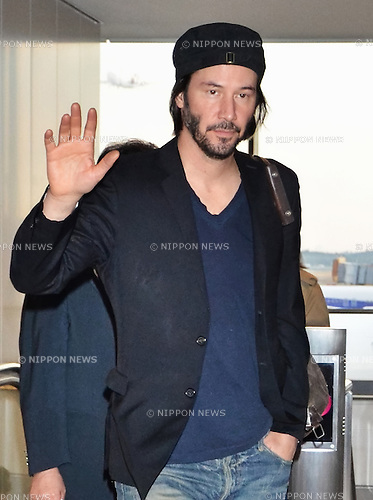 Keanu Reeves, Nov 17, 2013 :  Tokyo, Japan : Actor Keanu Reeves arrives at Narita International Airport in Chiba prefecture, Japan  on November 17, 2013.