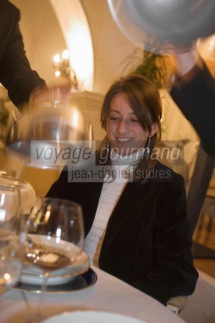 Europe/Italie/Vénétie/Dolomites/Cortina d'Ampezzo: Sabina  au restaurant de l'htel Ancora