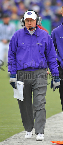 Nov 14, 2009; Manhattan, KS, USA; Kansas State head coach Bill Snyder paces the sidelines in the second half against the Missouri Tigers at Bill Snyder Family Stadium. The Tigers won 38-12. Mandatory Credit: Denny Medley-US PRESSWIRE