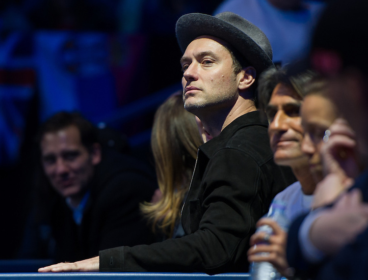 Actor Jude Law at the Novak Djokovic game against Andy Murray of Great Britain in their men&rsquo;s singles Final match today - Andy Murray def Novak Djokovic 6-3, 6-4<br /> <br /> Photographer Ashley Western/CameraSport<br /> <br /> International Tennis - Barclays ATP World Tour Finals - Day 8 - Sunday 18th November 2016 - O2 Arena - London<br /> <br /> World Copyright &copy; 2016 CameraSport. All rights reserved. 43 Linden Ave. Countesthorpe. Leicester. England. LE8 5PG - Tel: +44 (0) 116 277 4147 - admin@camerasport.com - www.camerasport.com