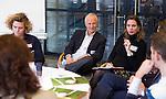 UTRECHT - KNHB voorzitter Jan Albers doet mee aan workshop Voeding tijdens  Hockeycongres bij de Rabobank in Utrecht. FOTO KOEN SUYK