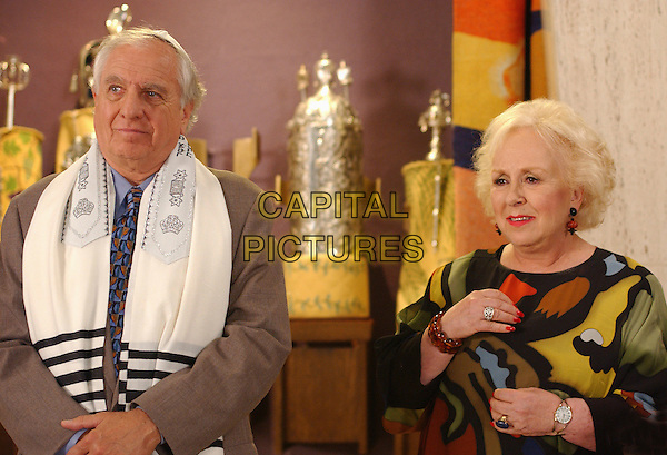 DORIS ROBERTS & GARRY MARSHALL.in Keeping Up with the Steins.*Editorial Use Only*.www.capitalpictures.com.sales@capitalpictures.com.Supplied by Capital Pictures.