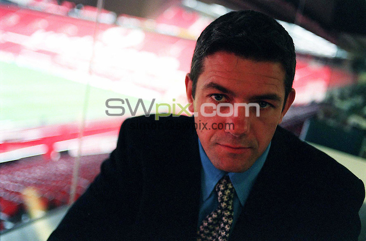 Pix: Ben Duffy/SWpix.com..... Super League Rugby, Play-off launch. Old Trafford, Manchester.....17/09/2001..COPYWRIGHT PICTURE>>SIMON WILKINSON>>01943 436649>>..Leeds Rhinos Coach, Darryl Powell, pictured at the launch of the Super League Grand Final Play Offs