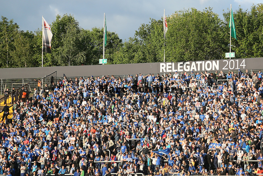 Ausverkauftes Böllenfalltor beim Hinspiel zur Relegation zur 2. Bundesliga - SV Darmstadt 98 vs. Armina Bielefeld, Stadion am Böllenfalltor