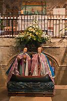 France/13/Bouches du Rhone/Camargue/Parc Naturel Régionnal de Camargue/Saintes Maries de la Mer: Dans l'église la barque avec à bord les statues des deux Maries: Jacobé, Salomé