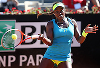 La statunitense Sloane Stephens in azione durante gli Internazionali d'Italia di tennis a Roma, 14 Maggio 2013..U.S. Sloane Stephens in action during the Italian Open Tennis WTA tournament in Rome, 14 May 2013.UPDATE IMAGES PRESS/Riccardo De Luca