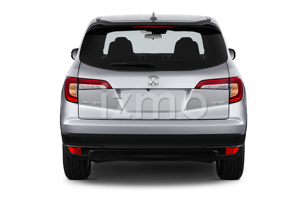Straight rear view of a 2020 Honda Pilot LX 5 Door SUV stock images