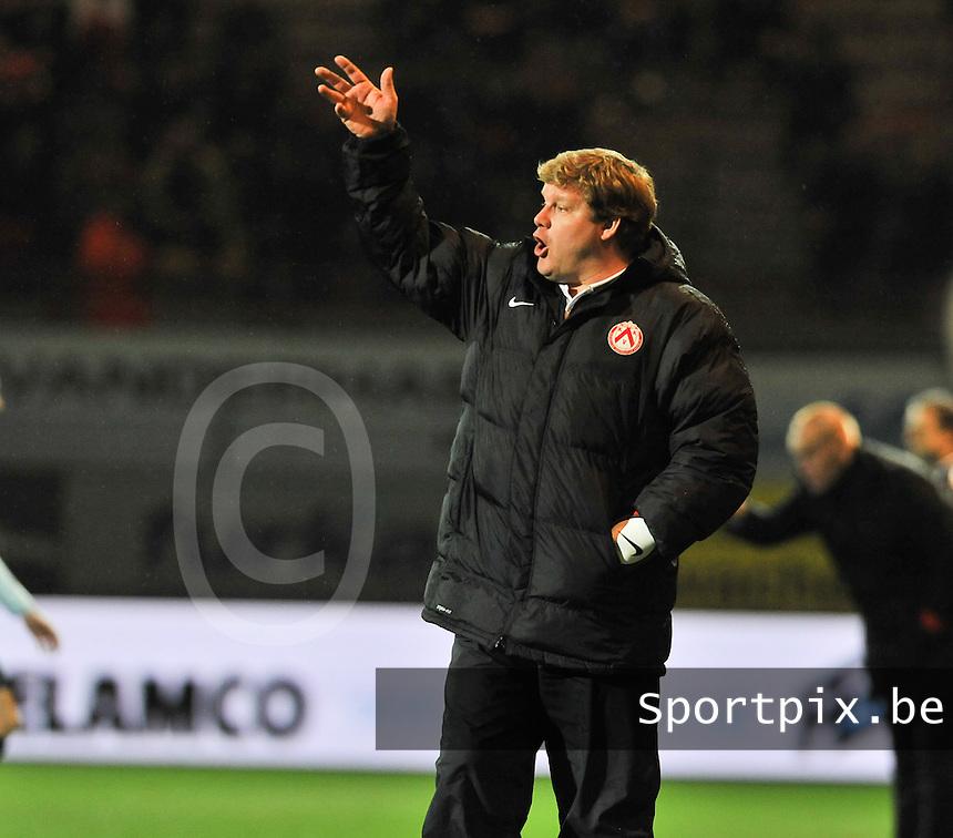 KV Kortrijk - KV Oostende : Kortrijk coach Hein Vanhaezebrouck<br /> foto VDB / Bart Vandenbroucke