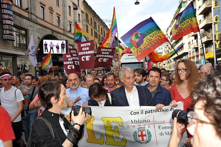 Milano: Gay Pride 2013.La sfilata del Gay pride per la giornata dell' orgoglio omossessuale.Il sindaco Giuliano Pisapia<br /> Milan: Gay Pride 2013. Gay pride parade. Milan mayor Giuliano Pisapia