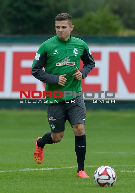 26.09.2014, Trainingsgelaende, Bremen, GER, 1.FBL, Training Werder Bremen, im Bild Marnon Busch (Bremen #38)<br /> <br /> Foto &copy; nordphoto / Frisch