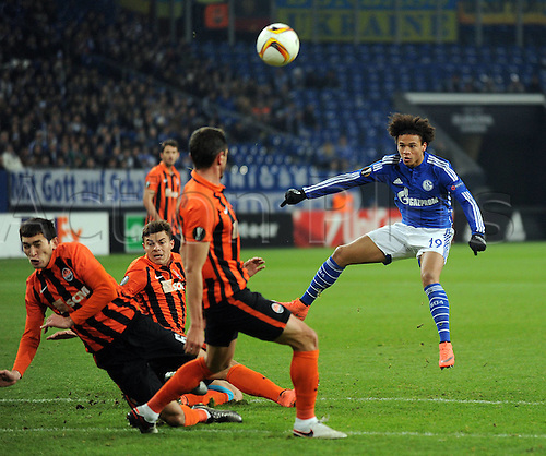 25.02.2016. Gelsenkirchen, Germany. Europa League Round of 32 Second Leg soccer match between Schalke 04 and FC Shakhtar Donetsk in the Veltins Arena in Gelsenkirchen, Germany. Leroy Sane S04 fails to score past the Ukrainian Defence