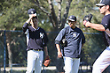 Masahiro Tanaka, Hiroki Kuroda (Yankees),<br /> FEBRUARY 17, 2014 - MLB : Masahiro Tanaka (L) and Hiroki Kuroda (C) of the New York Yankees during the teams spring training baseball camp at George M. Steinbrenner Field in Tampa, Florida. United States.<br /> (Photo by Thomas Anderson/AFLO) (JAPANESE NEWSPAPER OUT)