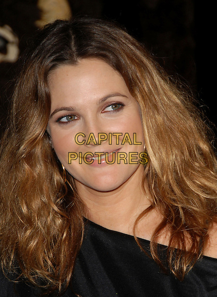"""DREW BARRYMORE.Warner Brothers Pictures World Premiere of """"We are Marshall"""" held at The Grauman's Chinese Theatre in Hollywood, California, USA. .December 14th, 2006.headshot portrait.CAP/DVS.©Debbie VanStory/Capital Pictures"""