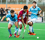 ALMERE - Hockey - Hoofdklasse competitie heren. ALMERE-HGC (0-1) . Terrance Pieters (Almere) met Tristan Algera (HGC).  COPYRIGHT KOEN SUYK