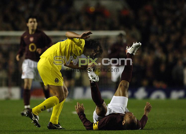 Pix Daniel Hambury/SWpix.com. Football. Champions League Soccer. Season 2005-2006. 02/10/2005. Arsenal v Villarreal...COPYRIGHT PICTURE>>SIMON WILKINSON - SWpix.com>>07811 267 706>>..Arsenals Therry Henry