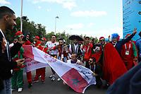 Fans aus Marokko feiern mit anderen Fans aus aller Welt - 20.06.2018: Portugal vs. Marokko, Gruppe B, 2. Spieltag, Luschniki Stadion Moskau