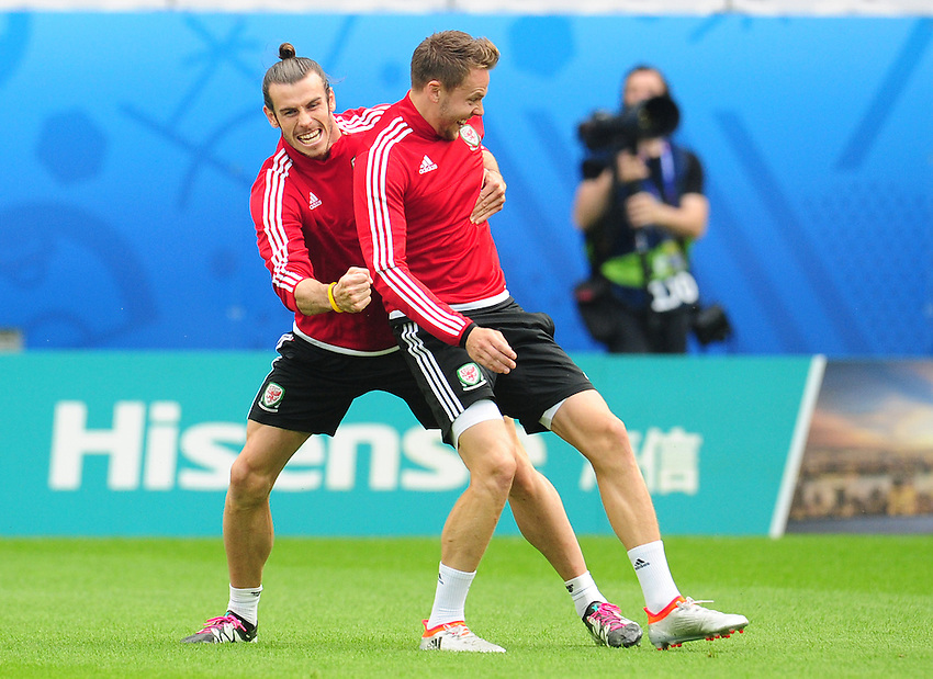 Wales's Gareth Bale and Chris Gunter during todays training session<br /> <br /> Photographer Kevin Barnes/CameraSport<br /> <br /> International Football - 2016 UEFA European Championship - Training Session - Group B - England v Wales - Wednesday, 15th June 2016 - Stade Bollaert-Delelis, Lens Agglo, France<br /> <br /> World Copyright &copy; 2016 CameraSport. All rights reserved. 43 Linden Ave. Countesthorpe. Leicester. England. LE8 5PG - Tel: +44 (0) 116 277 4147 - admin@camerasport.com - www.camerasport.com