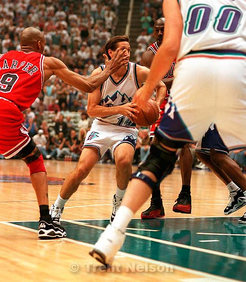 Utah's Jeff Hornacek drives to the basket at the NBA Finals Game three, Utah Jazz vs Chicago Bulls.<br />