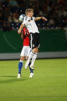 Toni Kroos (D) verliert das Kopfballduell<br /> Deutschland vs. Tschechien, U21 EM-Qualifikation *** Local Caption *** Foto ist honorarpflichtig! zzgl. gesetzl. MwSt. Auf Anfrage in hoeherer Qualitaet/Aufloesung. Belegexemplar an: Marc Schueler, Alte Weinstrasse 1, 61352 Bad Homburg, Tel. +49 (0) 151 11 65 49 88, www.gameday-mediaservices.de. Email: marc.schueler@gameday-mediaservices.de, Bankverbindung: Volksbank Bergstrasse, Kto.: 151297, BLZ: 50960101