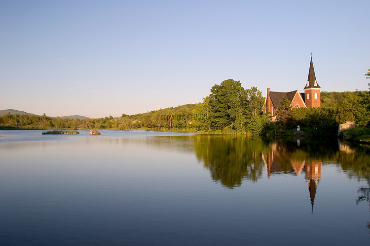 Picturesque Coldbrook Park is at the center of town with the Bibliotheque Pettes Memorial (library) figuring prominently on the Etang Mill Pond. Knowlton and the Eastern Townships of Quebec, Canada