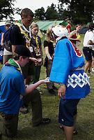 World Scout Jamboree 2007, traditionella japanska kläder, hello kitty, mask, mångkulturell interaktion, keps, scouter, halsdukar,