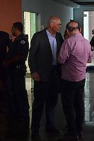SÃO PAULO,SP - 25.07.2016 - SUPLICY-SP - O ex-senador Eduardo Suplicy (PT/SP) foi preso ao tentar impedir o trabalho da Polícia Militar, em uma reintegração de posse, na COHAB Educandário e levado, carregado pelos policiais, para o 75º DP Jardim Arpoador, na tarde desta segunda-feira, 25. Ele foi liberado após assinar um Termo Circunstanciado (TC). (Foto: Eduardo Carmim/Brazil Photo Press)