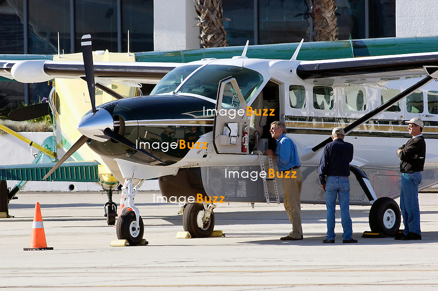 helicopter santa monica with I0000jsfvrsrtra8 on Watch moreover Assemblymans Bill Would Ban Shamu And All Orcas At Seaworld San Diego as well View Of The Getty Center From Our Deluxe Vip Helicopter Tour moreover From Incredible Bizarre Amazing Photographs 2014 World furthermore 2525159928.