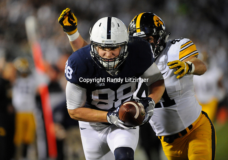 STATE COLLEGE, PA - NOVEMBER 05:  Penn State TE Mike Gesicki (88) sprints for the end zone and reaches the ball out, but was called down on the one-yard line.The Penn State Nittany Lions defeated the Iowa Hawkeyes 41-14 on November 5, 2016 at Beaver Stadium in State College, PA. (Photo by Randy Litzinger/Icon Sportswire)