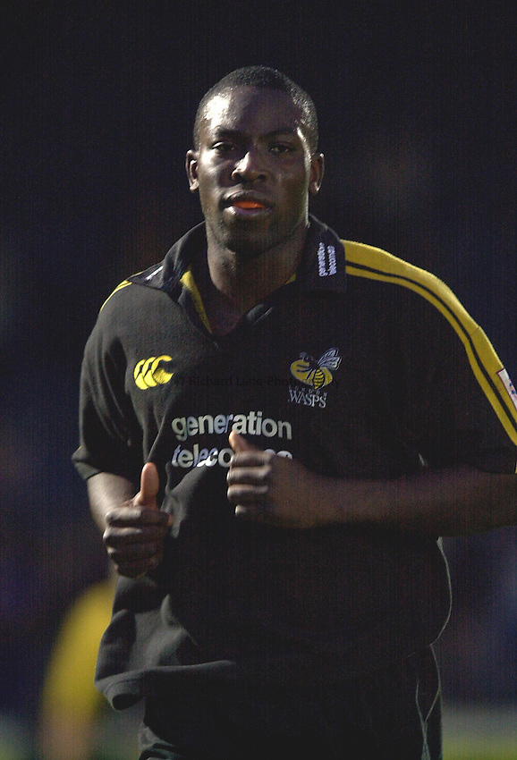 Photo. Richard Lane.London Wasps v Leeds Tykes. Zurich Premiership. 24/11/2002..Ayoola Erinle