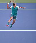 Roger Federer (SUI) defeats Leonardo Mayer (ARG) 6-1, 6-2, 6-2