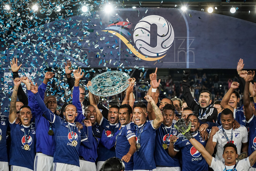 BOGOTA – COLOMBIA, 20-01-2019: Jugadores del Millonarios celebran como campeones después del encuentro con Independiente Santa Fe por la final del Torneo Fox Sports 2019 jugado en el estadio Nemesio Camacho El Campin de la ciudad de Bogotá. / Players of America celebrate as champions after final match against Independiente Santa Fe for the Fox Sports  Tournament 2019 played at Nemesio Camacho El Campin Stadium in Bogota city. Photos: VizzorImage / Diego Cuevas / Cont