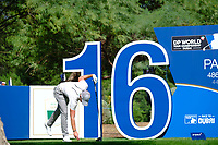 Danny Willett (ENG) on the 16th during the 1st round of the DP World Tour Championship, Jumeirah Golf Estates, Dubai, United Arab Emirates. 15/11/2018<br /> Picture: Golffile | Fran Caffrey<br /> <br /> <br /> All photo usage must carry mandatory copyright credit (&copy; Golffile | Fran Caffrey)