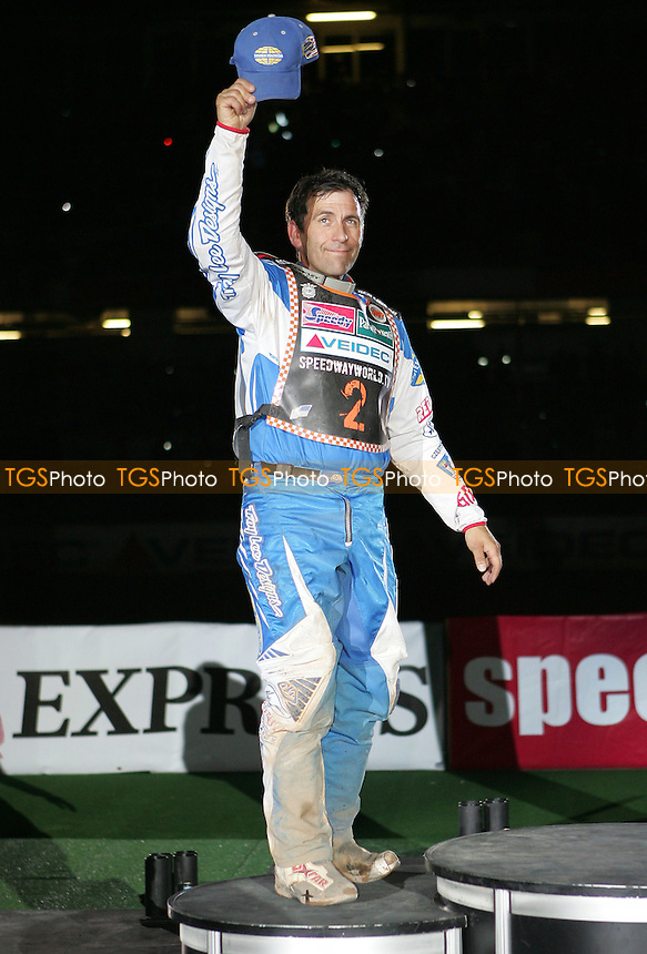 Greg Hancock acknowledges the crowd at the presentations - British Speedway Grand Prix at the Millenium Stadium, Cardiff - 30/06/07 - MANDATORY CREDIT: Rob Newell/TGSPHOTO