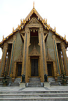 Wat Ratchaphobit is off the normal tourist trail in Bangkok and is therefore almost always tranquil, giving it a contemplative atmosphere. It was begun only in 1864 an is an amalgam of Eastern and Western influences.