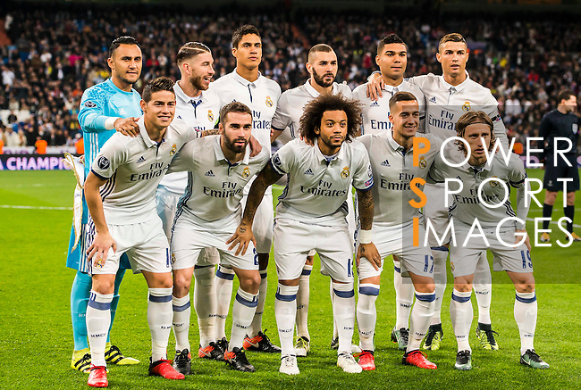 Players of Real Madrid line up and pose for a photo prior to the 2016-17 UEFA Champions League match between Real Madrid and Borussia Dortmund at the Santiago Bernabeu Stadium on 07 December 2016 in Madrid, Spain. Photo by Diego Gonzalez Souto / Power Sport Images