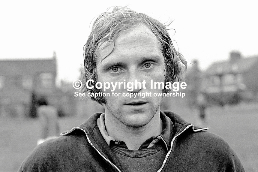 Roy Coyle, player, Glentoran FC, Belfast, N Ireland, UK, 197000000275.<br />