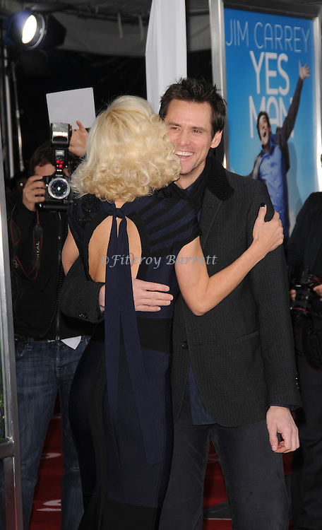 Jim Carrey and Jenny McCarthy arriving at the premiere of Yes Man held at Mann Village Theater in Westwood, Ca. December 17, 2008