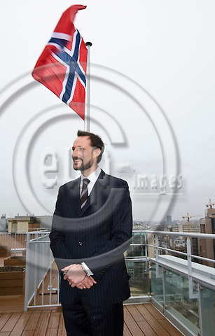 BRUSSELS - BELGIUM - 22 JANUARY 2009 -- Inauguration of the Norway House with HRH Crown Prince Haakon of Norway. -- HRH Crown Prince Haakon on the balcony of  the 10th floor of the Mission of Norway to the EU. -- PHOTO: Juha ROININEN / EUP-IMAGES