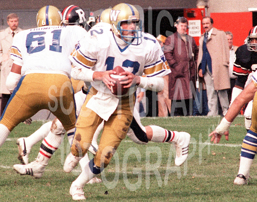 John Hufnagel Winnipeg Blue Bombers quarterback 1983. Copyright photograph Scott Grant/