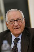 Giuseppe Gargani nterviene alla presentazione di un libro