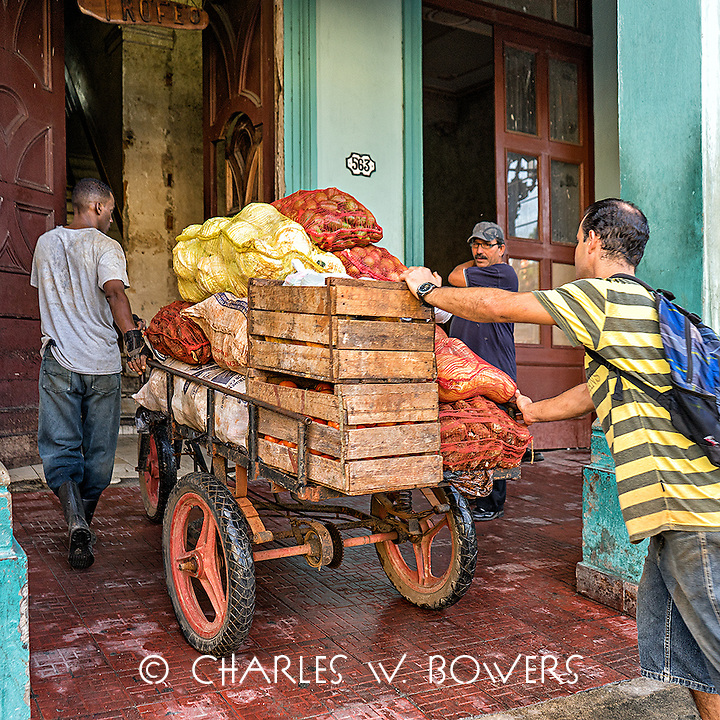 Faces Of Cuba - Stocking up for the week.<br /> <br /> -Limited Edition of 50 prints.