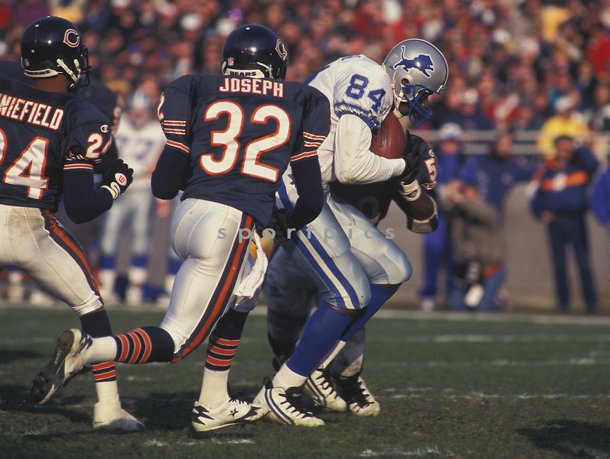 Detroit Lions Herman Moore (84) during a game against the Chicago Bears at Pro Player Stadium in Chicago, Illinois on November 19, 1995 .The Lions beat the Bears 24-17.  Herman Moore played for 12 years with 2 different teams and was a 2-time Pro Bowler.